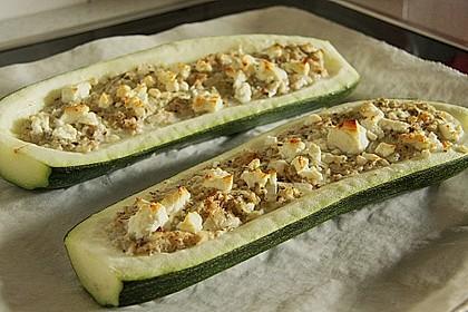 Überbackene Zucchini mit Schafskäse 11