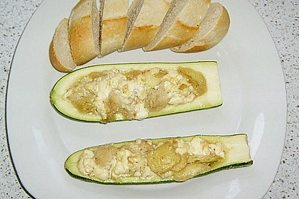 Überbackene Zucchini mit Schafskäse 49