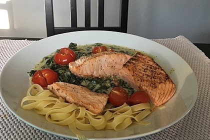 Lachs - Spinat - Nudeln