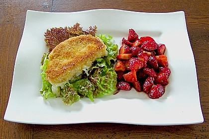 Gebackener Camembert mit Erdbeer - Chutney