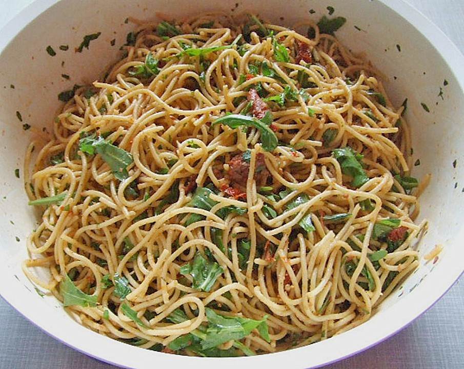 Spaghetti salat parmesan