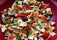 Farfallesalat mit Tomatenpesto und gegrillter Zucchini