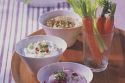 Gemüsesticks mit drei Dips 0