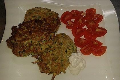 Zucchini - Reibekuchen 12