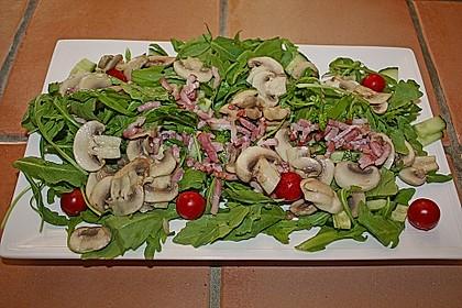 Salat mit gebratenen Champignons 2