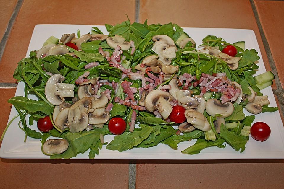 salat mit gebratenen champignons rezept mit bild. Black Bedroom Furniture Sets. Home Design Ideas
