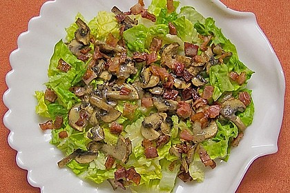Salat mit gebratenen Champignons 1