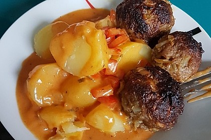Fleischbällchen mit Paprikasoße 8
