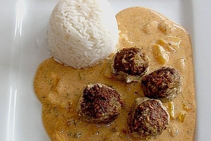 Fleischbällchen mit Paprikasoße 12