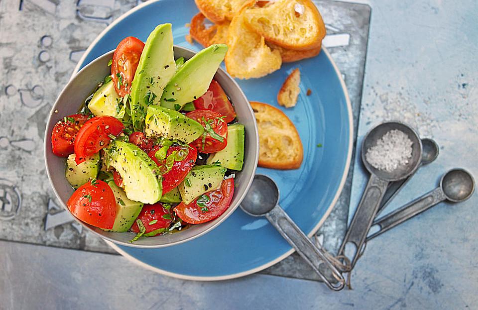avocado tomaten salat von klehmann. Black Bedroom Furniture Sets. Home Design Ideas