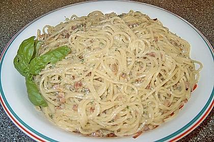 Spaghetti carbonara mit Speck und Petersilie 40