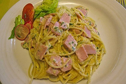 Spaghetti carbonara mit Speck und Petersilie 45