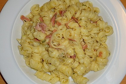 Spaghetti carbonara mit Speck und Petersilie 35