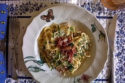 Spaghetti carbonara mit Speck und Petersilie 17