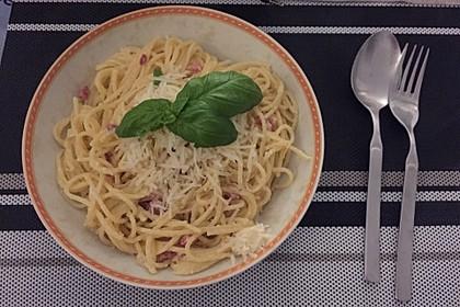 Spaghetti carbonara mit Speck und Petersilie 4
