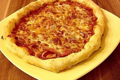 Italienischer Pizzateig 163