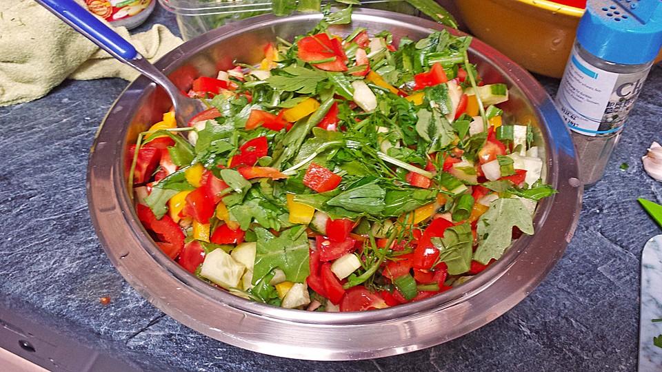 salatdressing f r gemischten salat rezept mit bild. Black Bedroom Furniture Sets. Home Design Ideas