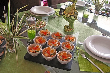 Wachteleier mit Crème fraîche und Forellenkaviar im Filoteigkörbchen 1