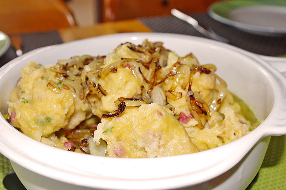 schwäbische wurstknöpfle mit zwiebel geschmälzt (rezept mit bild ... - Schwäbische Küche Rezepte