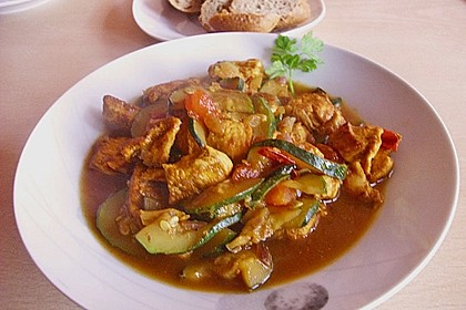 Urmelis Hähnchenbrust in Zucchini - Curry - Sahne - Sauce 19