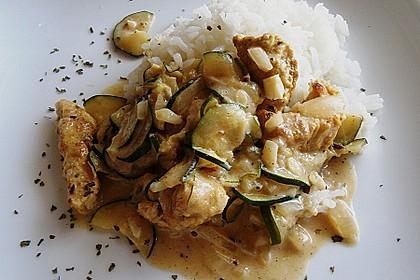 Urmelis Hähnchenbrust in Zucchini - Curry - Sahne - Sauce 11