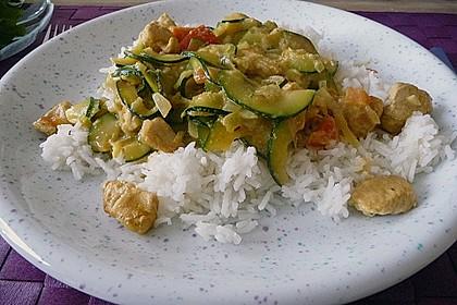 Urmelis Hähnchenbrust in Zucchini - Curry - Sahne - Sauce 18