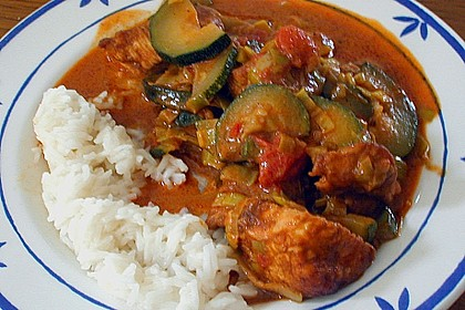 Urmelis Hähnchenbrust in Zucchini - Curry - Sahne - Sauce 35