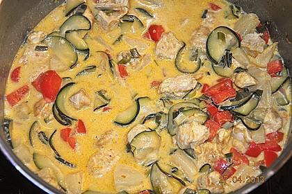 Urmelis Hähnchenbrust in Zucchini - Curry - Sahne - Sauce 41