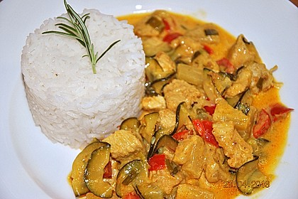 Urmelis Hähnchenbrust in Zucchini - Curry - Sahne - Sauce 3