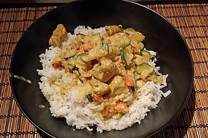 Urmelis Hähnchenbrust in Zucchini - Curry - Sahne - Sauce 40