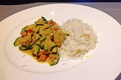 Urmelis Hähnchenbrust in Zucchini - Curry - Sahne - Sauce 15
