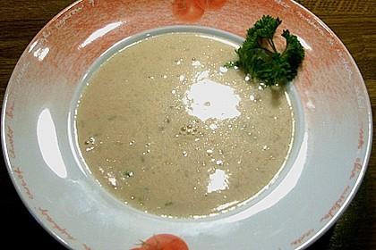 Steinpilz - Schaumsüppchen mit Parmesan