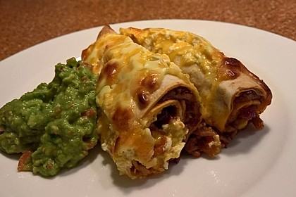Überbackene Enchiladas mit Avocado-Dip 7
