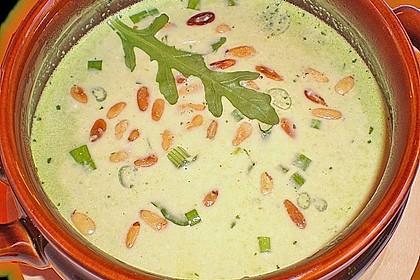 Rucolacremesuppe mit gerösteten Pinienkernen 6