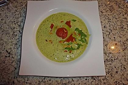 Rucolacremesuppe mit gerösteten Pinienkernen 18