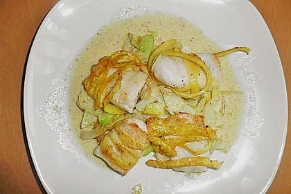 Zander im Kartoffelmantel auf Fenchelgemüse mit Senfsauce 6
