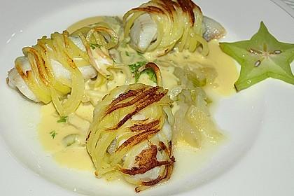 Zander im Kartoffelmantel auf Fenchelgemüse mit Senfsauce 3