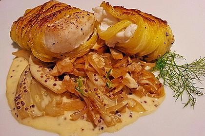 Zander im Kartoffelmantel auf Fenchelgemüse mit Senfsauce 1