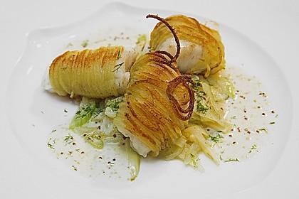 Zander im Kartoffelmantel auf Fenchelgemüse mit Senfsauce 0