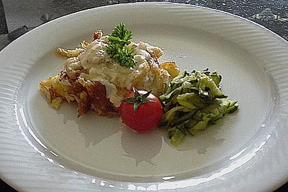 Zander im Kartoffelmantel auf Fenchelgemüse mit Senfsauce 7