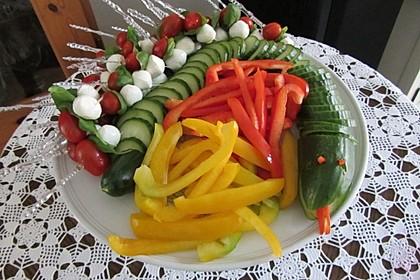 Gurkenschlange im Gemüsebeet 6