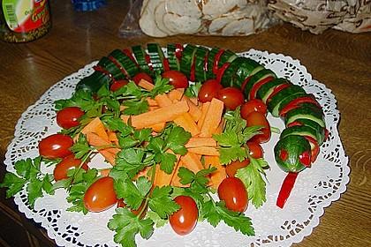 Gurkenschlange im Gemüsebeet 13