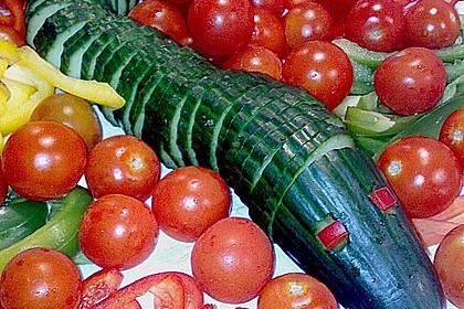 Gurkenschlange im Gemüsebeet 19