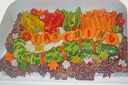 Gurkenschlange im Gemüsebeet 12