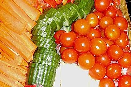 Gurkenschlange im Gemüsebeet 35