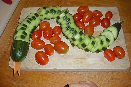 Gurkenschlange im Gemüsebeet 33