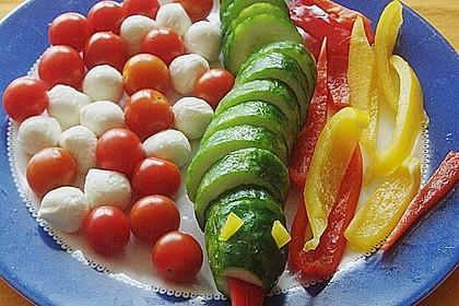 Gurkenschlange im Gemüsebeet 23