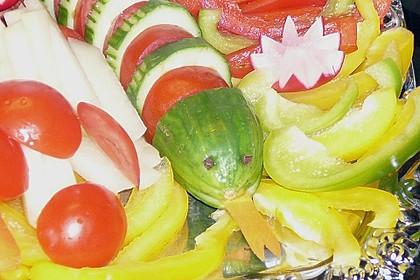Gurkenschlange im Gemüsebeet 21