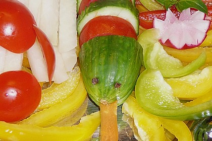 Gurkenschlange im Gemüsebeet 36