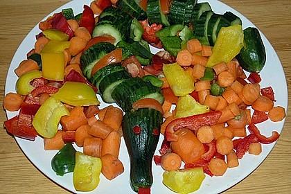 Gurkenschlange im Gemüsebeet 31